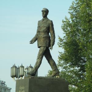 Generaal De Gaulle regeert over zijn graf